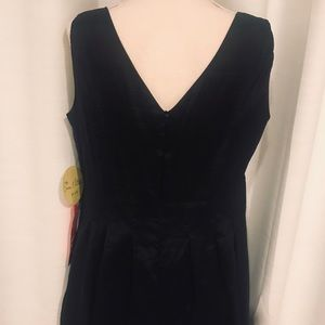 Emma & Michelle Dresses - NWT Emma and Michelle little black dress 14